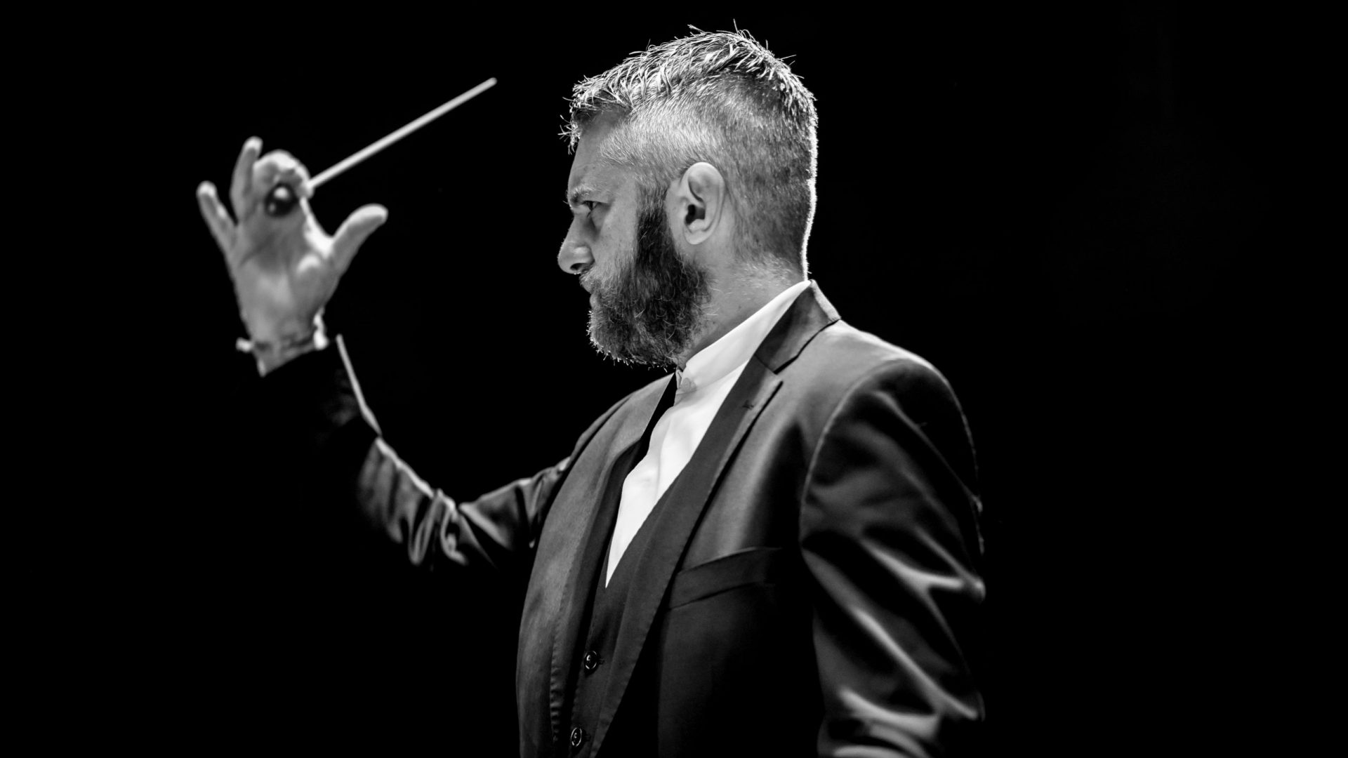 Conductor Kirill Karabits, Electrifying 2019/20 Season