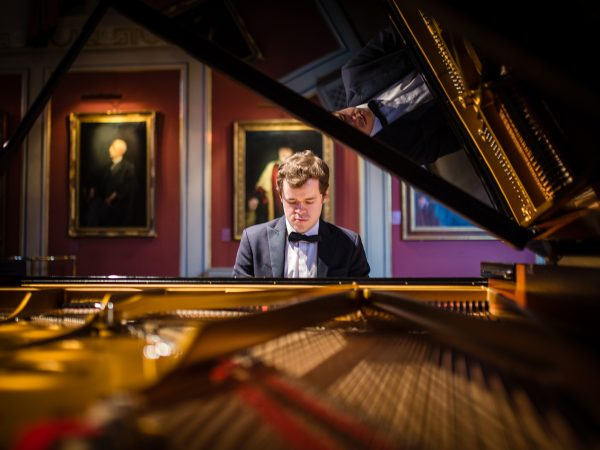 Review: Grosvenor Plays Chopin